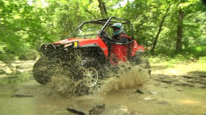 rzr_s_800_project_2014_action_creek_splash